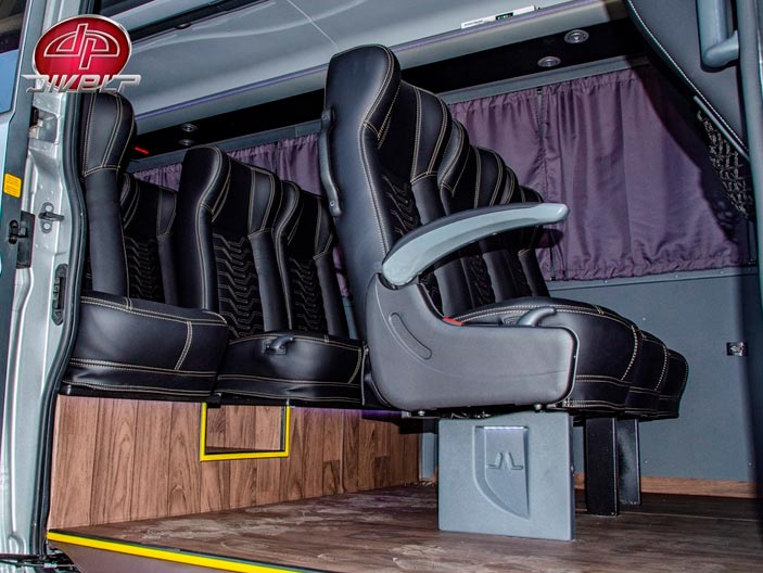 Fiat Ducato: Bancos de couro reclináveis feitos pela Marticar