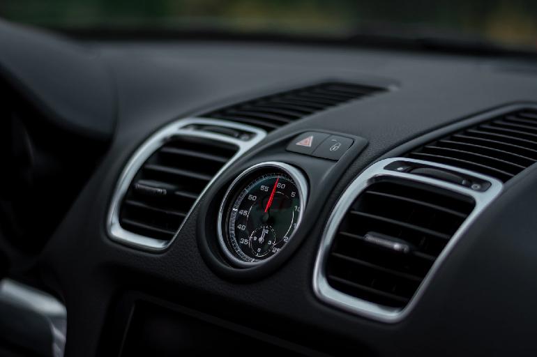 Como prevenir contágio de doenças respiratórias no ar-condicionado da van
